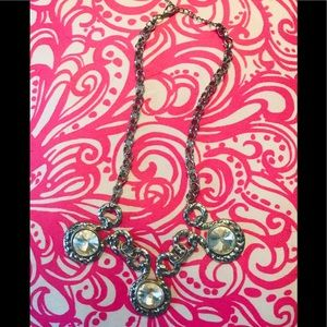 Paparazzi silver handing necklace with style